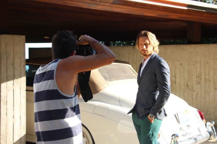Gabriel Aubry em making of para campanha da marca masculina VR