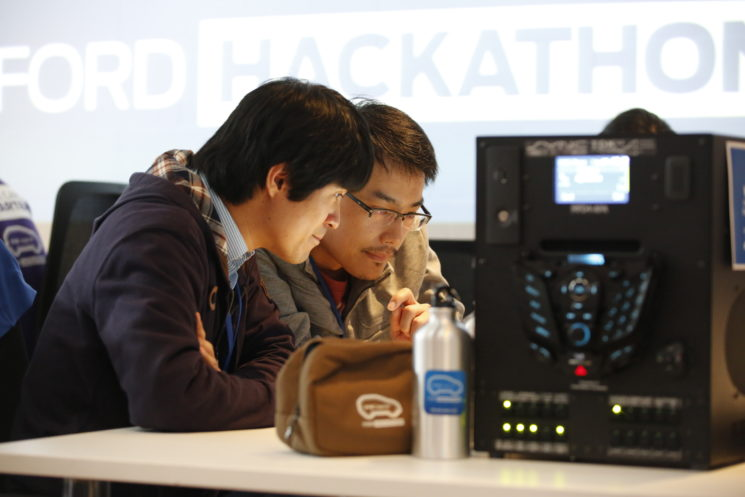 Ford apresenta 1º Hackathon da indústria no país