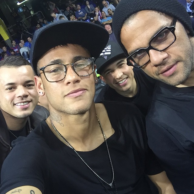 "Neymar com a tendência ""Ctrl+C Ctrl+V"""