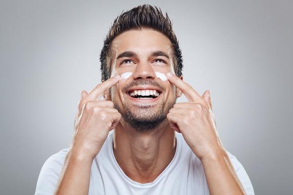 Cinco cuidados básicos para o rosto do homem