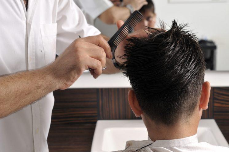Barbeiro, a profissão que está fazendo a cabeça e o bolso dos homens