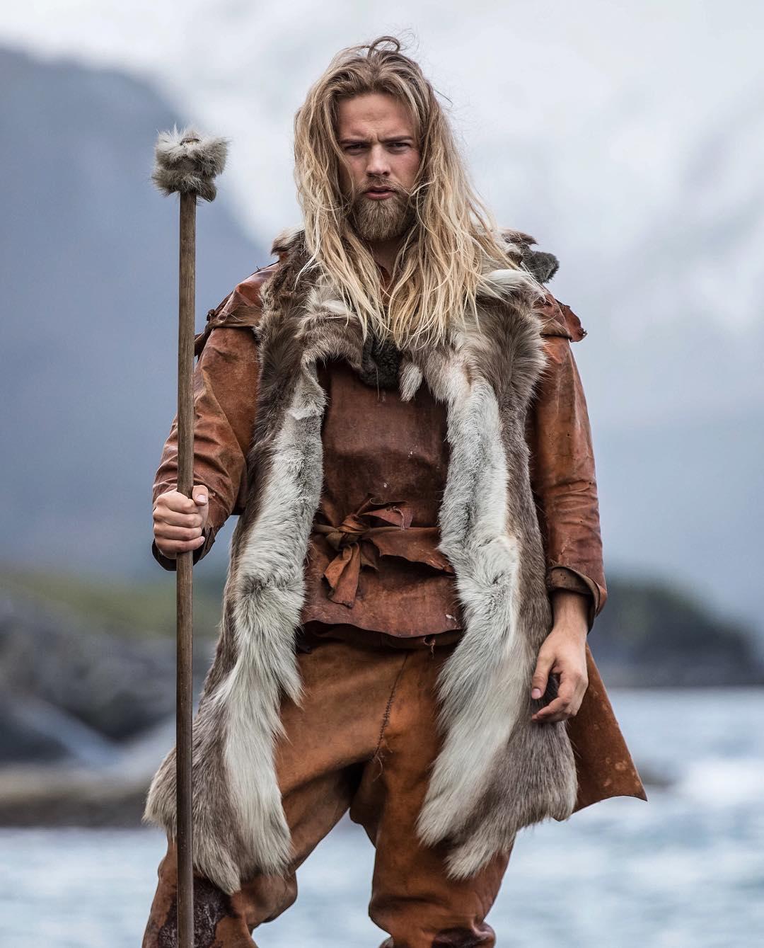 barba 2017, cabelo longo masculino, cabelo loiro, homem estiloso, tenente da marinha, moda sem censura, alex cursino, estilo viking, lumberssexual, mens, grooming, (11)