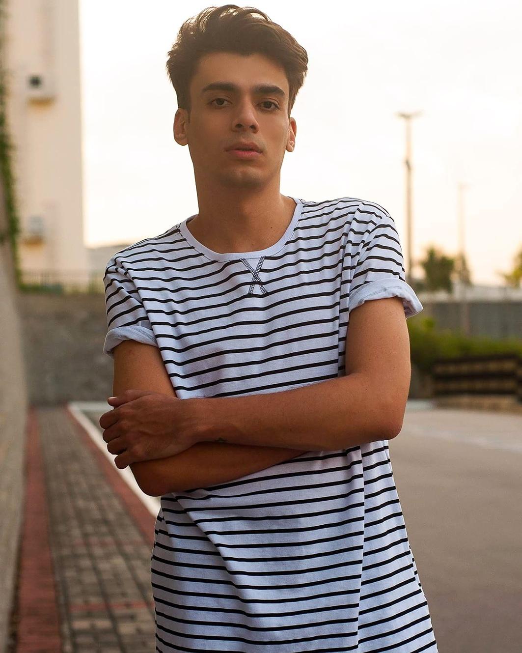 alex-cursino-blogueiro-de-moda-moda-masculina-moda-sem-censura-blogger-digital-influencer-social-media-look-masculino-como-usar-listras-menswear-dicas-de-moda-6
