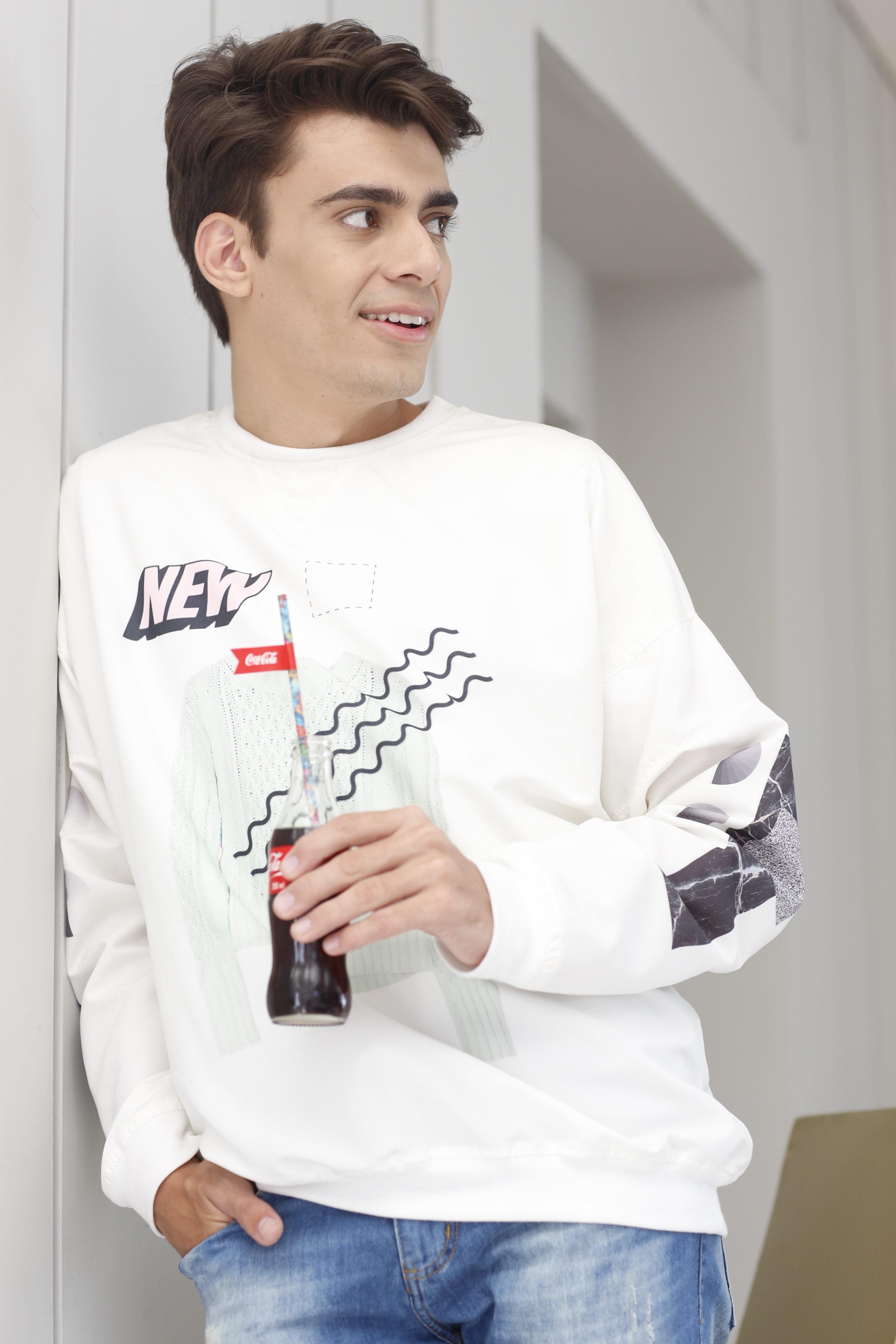 alex-cursino-coca-cola-sinta-o-sabor-fhits-qg-fhits-como-usar-esportivo-look-masculino-dicas-de-moda-blogueiro-de-moda-youtuber-menswear-style-outfit-blogger-brazil-style-tendencia-masc