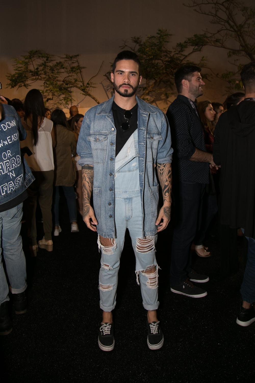 jeans-street-style-masculino-blog-de-moda-masculina-dicas-estilo-moda-jeans-jaqueta-calca-short-saia-fashion-week-spfw-spfwtrans42-spfwn42-tendencia-masculina-inverno-18