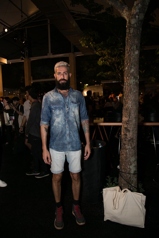 jeans-street-style-masculino-blog-de-moda-masculina-dicas-estilo-moda-jeans-jaqueta-calca-short-saia-fashion-week-spfw-spfwtrans42-spfwn42-tendencia-masculina-inverno-29