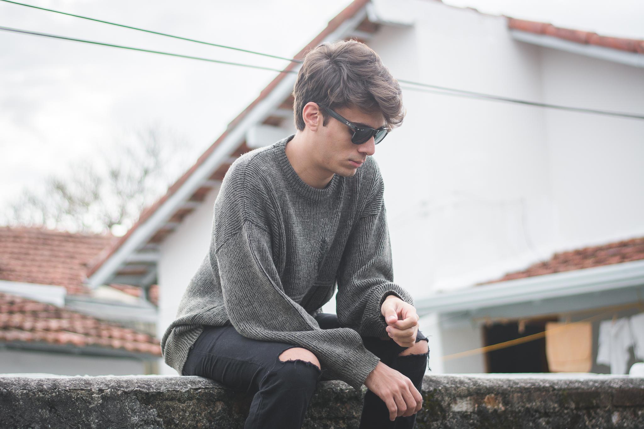 alex-cursino-rafaella-santiago-matheus-komatsu-shooting-editorial-de-moda-influencer-youtuber-blogueiro-de-moda-dicas-de-moda-como-ser-estiloso-anos-90-roupa-masculina-vogue-4