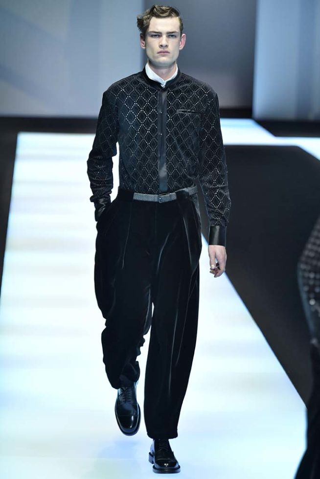 af5baa022197d Emporio Armani Milan Menswear Fall Winter 2017, desfile masculino,  tendencia masculina, inverno 2017