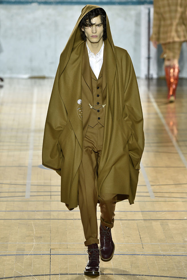 viviene-westwood-inverno-2017-winter-2017-fall-2017-london-fashion-week-mens-desfile-masculino-tendencia-2017-moda-sem-censura-blog-de-moda-masculina-alex-cursino-1