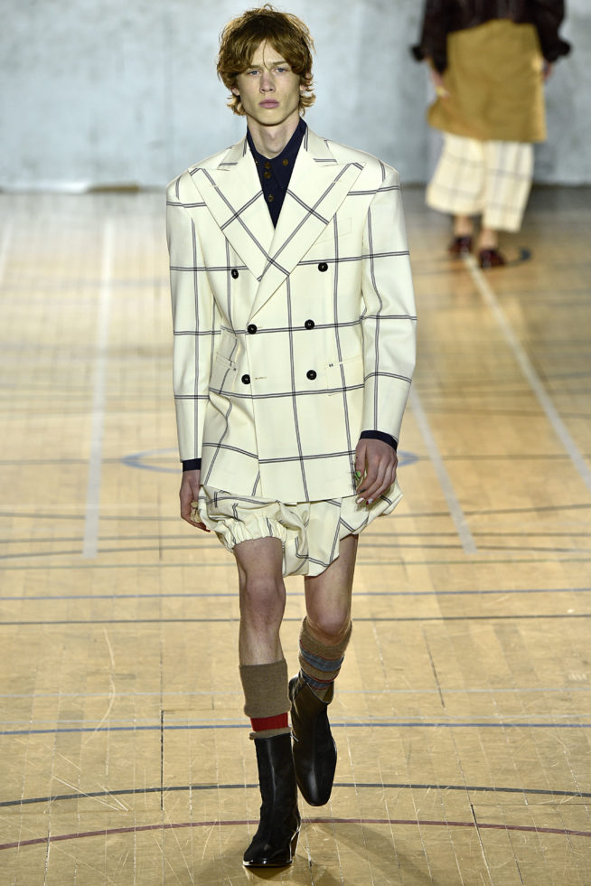 viviene-westwood-inverno-2017-winter-2017-fall-2017-london-fashion-week-mens-desfile-masculino-tendencia-2017-moda-sem-censura-blog-de-moda-masculina-alex-cursino-12