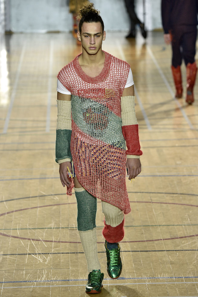 viviene-westwood-inverno-2017-winter-2017-fall-2017-london-fashion-week-mens-desfile-masculino-tendencia-2017-moda-sem-censura-blog-de-moda-masculina-alex-cursino-30