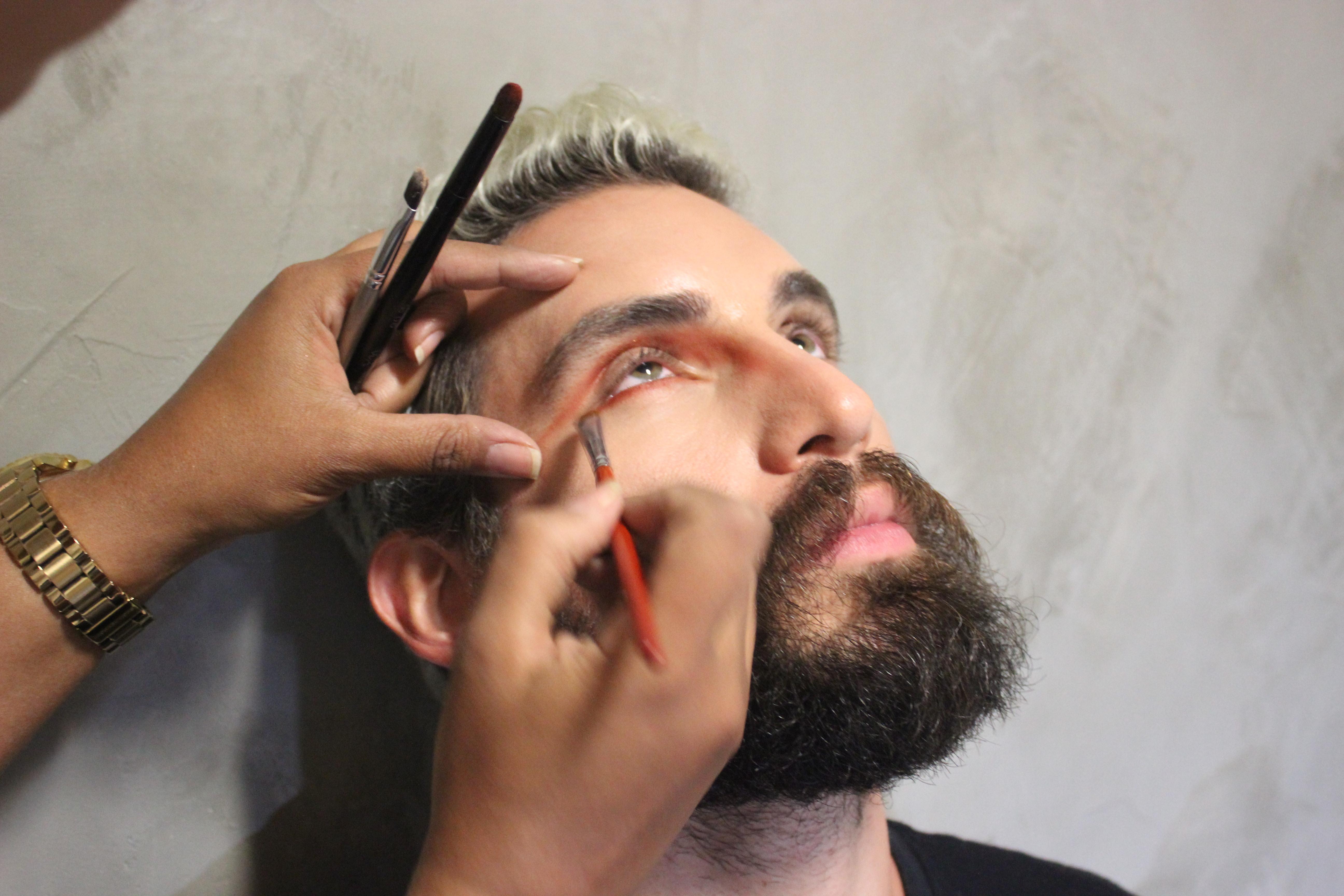 maquiagem masculina, maquiagem carnaval 2017, maquiagem para homem, fantasia masculina 2017, carnaval 2017, mens, grooming, dicas de moda, moda sem censura, alex cursino, blog de moda masculina (5)