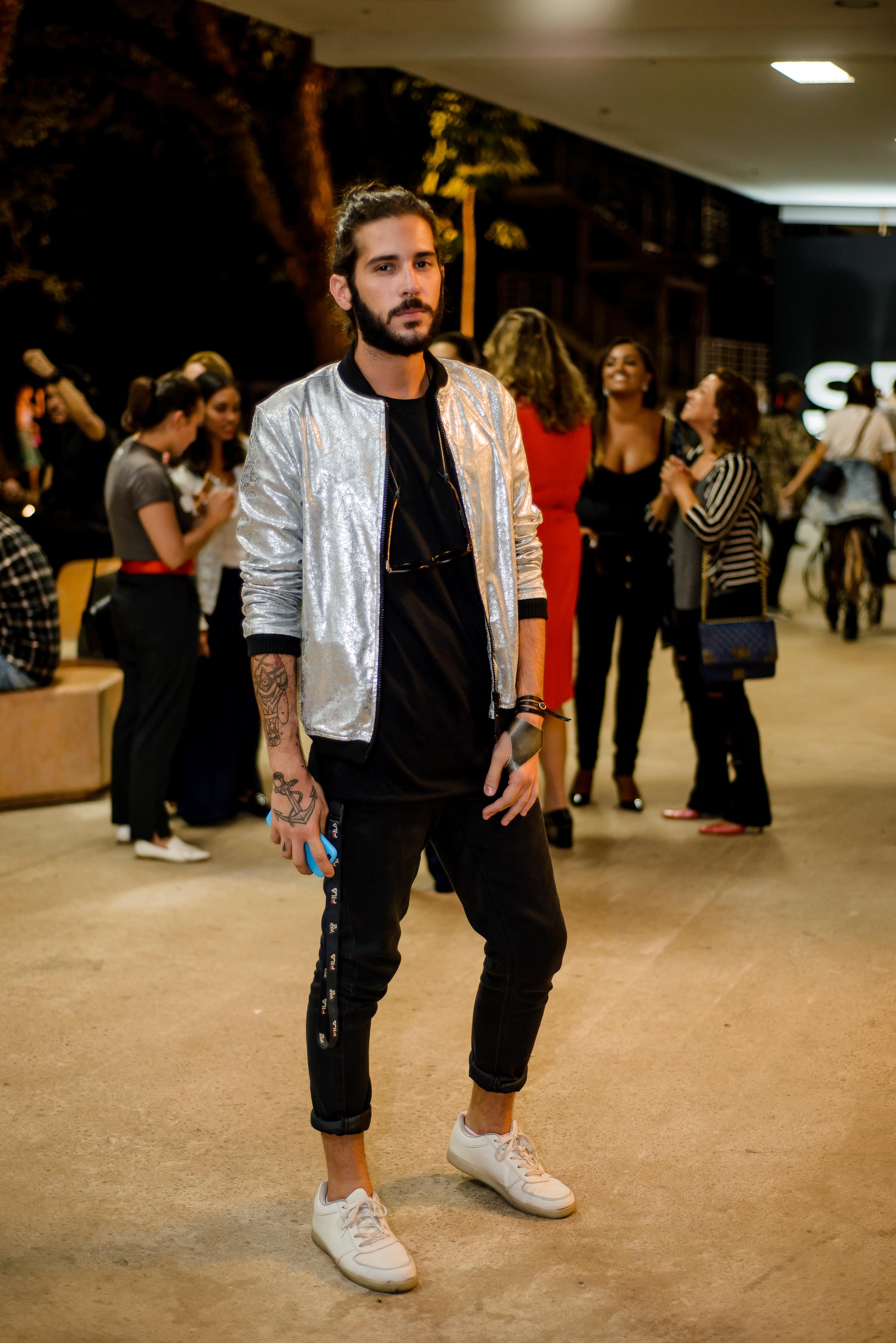 spfwn43-street-style-moda-masculina-estilo-masculino-style-fashion-moda-2017-moda-sem-censura-beleza-blog-de-moda-men-man-boy-estilo (4)