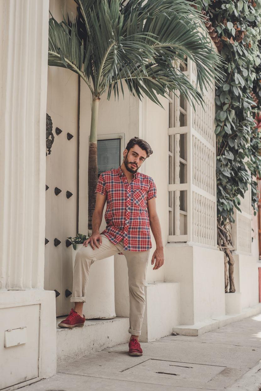 Cartagena das Índias: look masculino com camisa xadrez