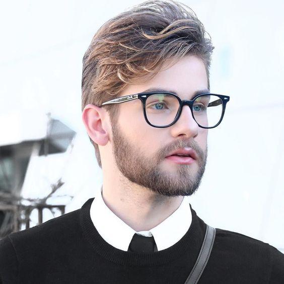 bf8a744cf Para conferir mais dicas de moda para homens e também um conteúdo completo  sobre estilo de homem e tendências masculinas, é só seguir nosso canal de  moda ...