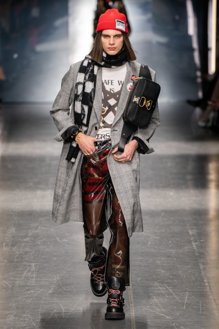 Milão: Versace Inverno 2019 masculino